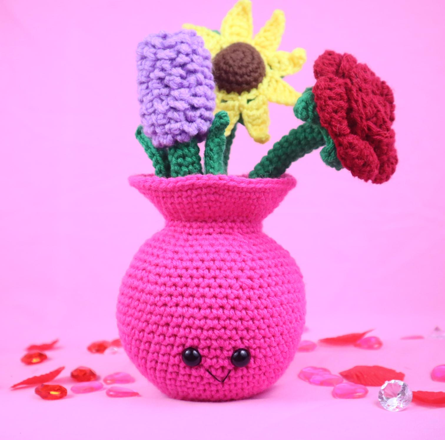 Amigurumi crochet pattern flowers in vase